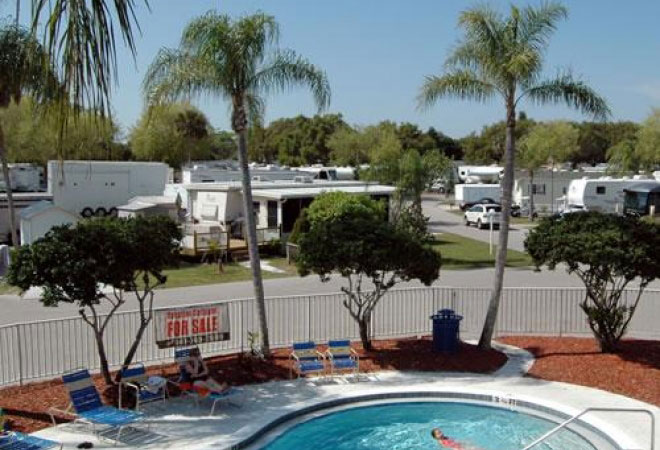Winter Quarters Manatee RV Resort
